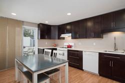 286 Parkdale Ave East Aurora-print-004-3-Kitchen-3000x2004-300dpi