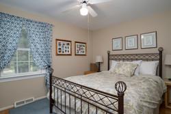 1206 Carriage Dr East Aurora-large-009-Bedroom-1498x1000-72dpi