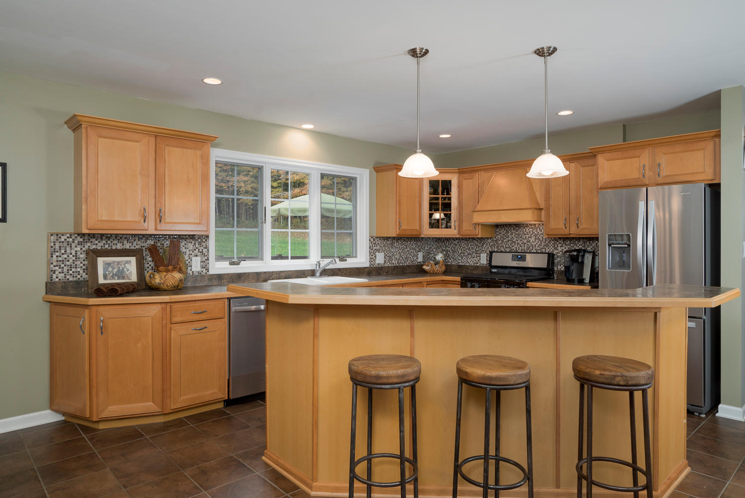6142 Hillcroft Dr Boston NY-large-008-21-Kitchen-1498x1000-72dpi