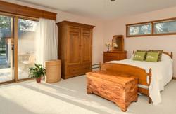 54 Hamlin Ave East Aurora NY-large-013-11-Master Bedroom-1498x1000-72dpi