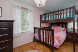 1206 Carriage Dr East Aurora-large-010-Bedroom-1498x1000-72dpi