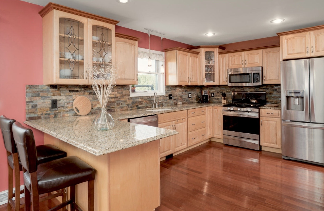 7289 Center St Holland NY-large-007-6-Kitchen-1498x1000-72dpi