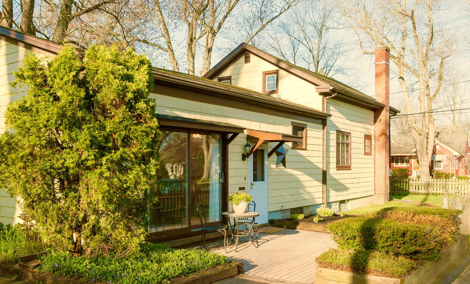 54 Hamlin Ave East Aurora NY-large-021-16-Exterior-1498x1000-72dpi