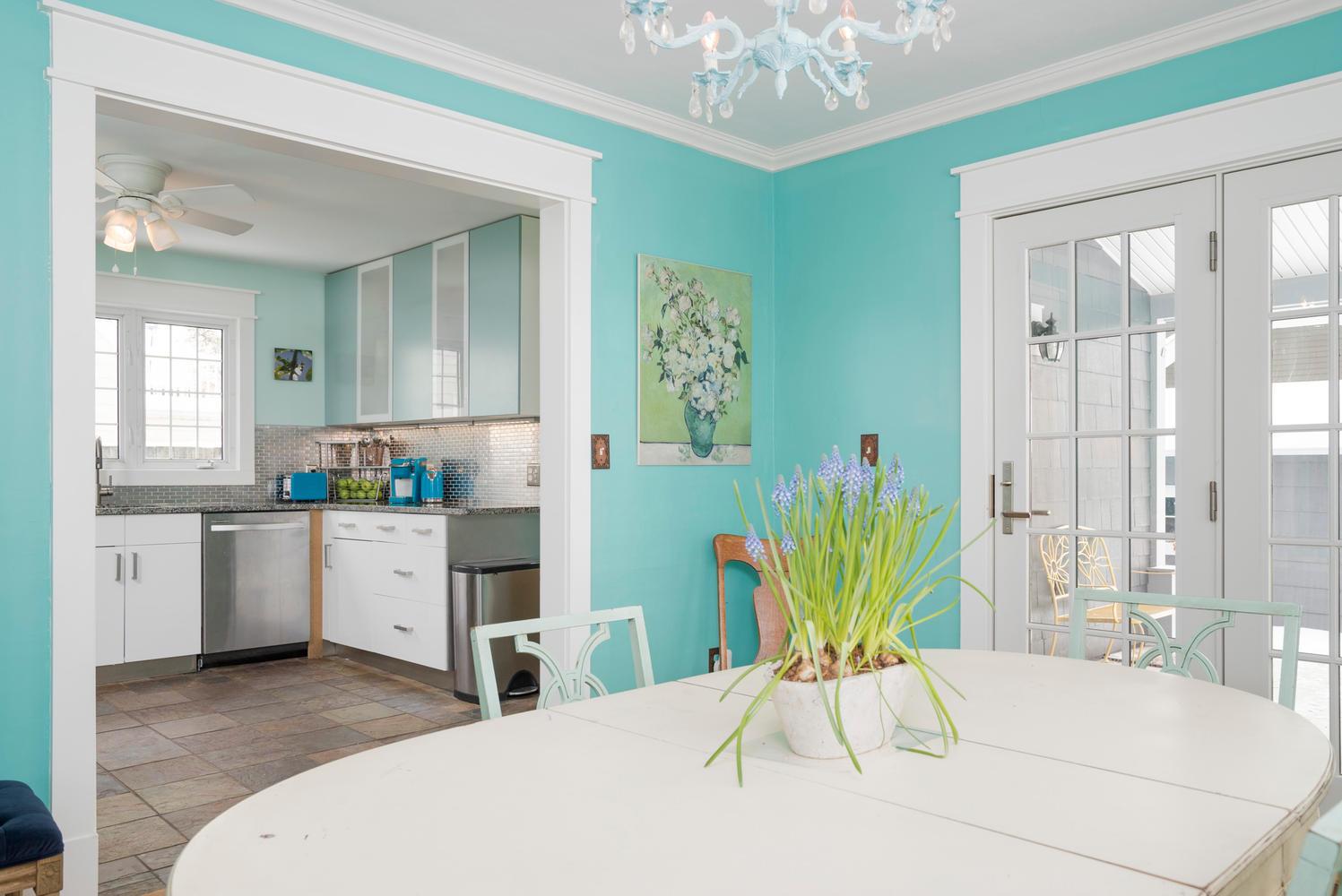 94 Center St East Aurora NY-large-006-9-Dining Room-1498x1000-72dpi