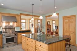 475 Porterville Rd East Aurora-large-010-17-Kitchen-1498x1000-72dpi