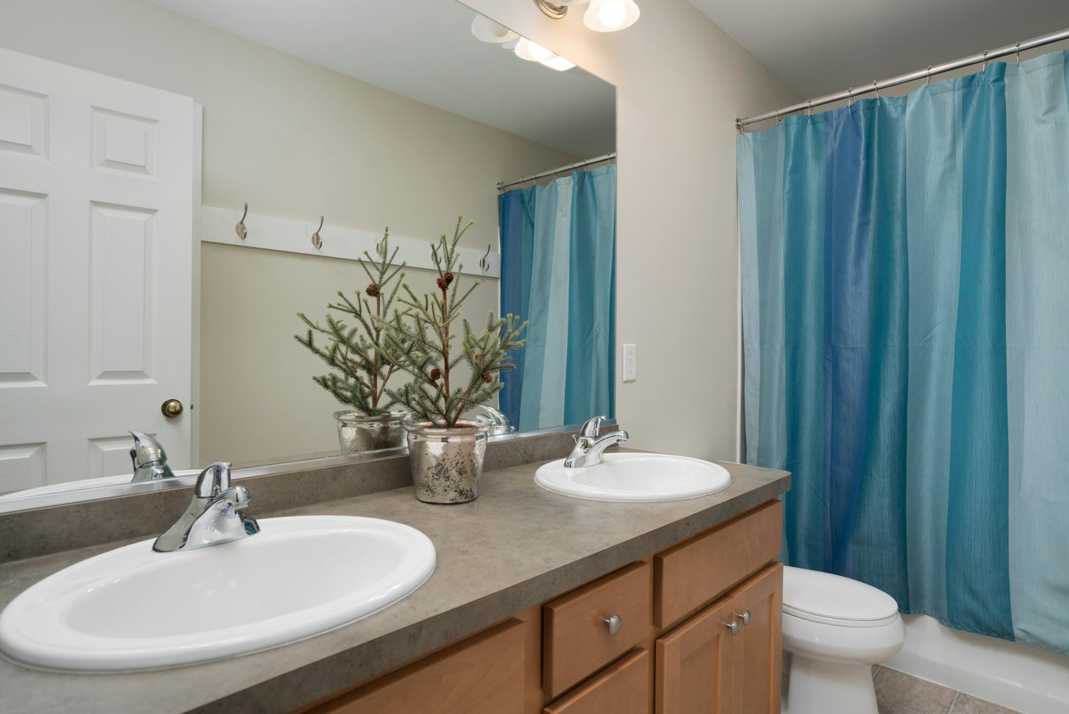 67 Avian Way Lancaster NY-large-015-7-Bathroom-1498x1000-72dpi