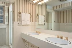 10 Hillcrest Rd East Aurora NY-large-015-Bathroom-1499x1000-72dpi