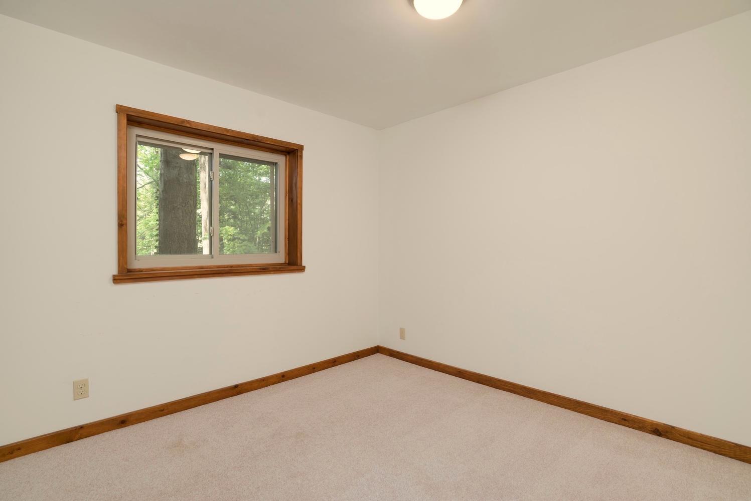 1000 Quaker Rd Orchard Park NY-large-020-10-Bedroom-1498x1000-72dpi