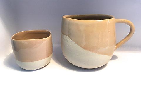 Verseuse et Assortiment de 3 tasses