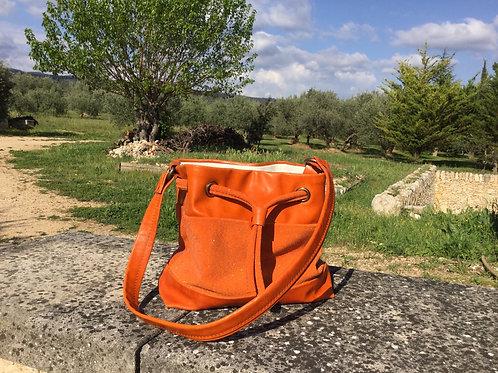 Modèle Matilda piccolo cuir orange irisé & brillant