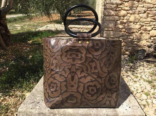 Modèle Anna cuir brun motif fleur anse bois