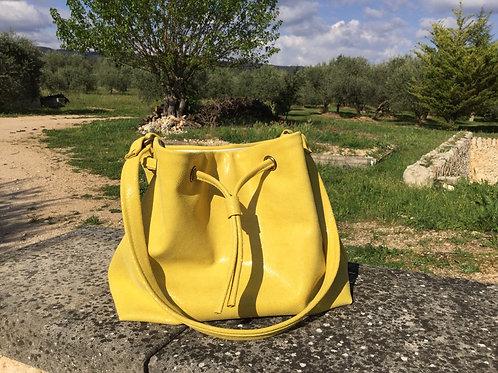 Modèle Matilda medio cuir jaune irisé