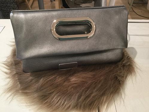 Modèle Joséphine cuir gris irisé