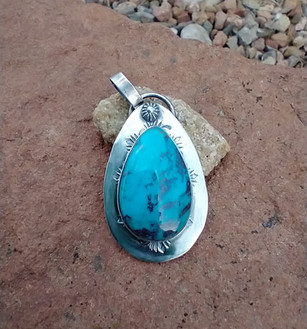 Kingman turquoise pendant - Sandra Boyer