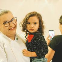 Chef Maria de Fátima e sua neta Alice