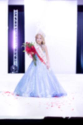 Kate%2520Crowning%25201_edited_edited.jp