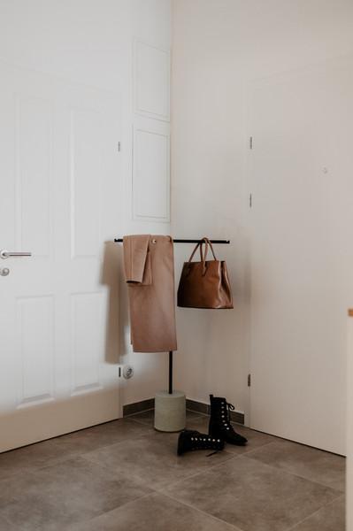 Im Eingang als Garderobe?