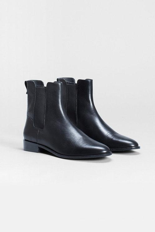 Black Lauker Chelsea Boot