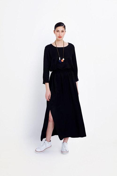Black Form Skirt