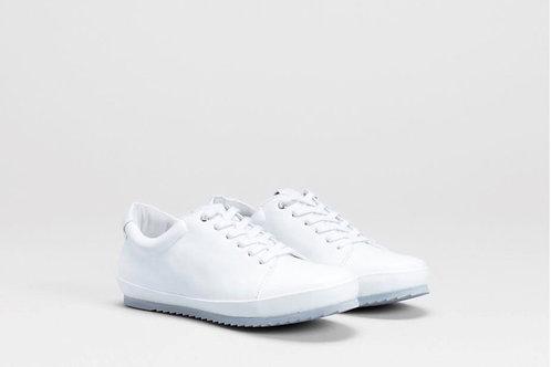 White Reise Sneaker