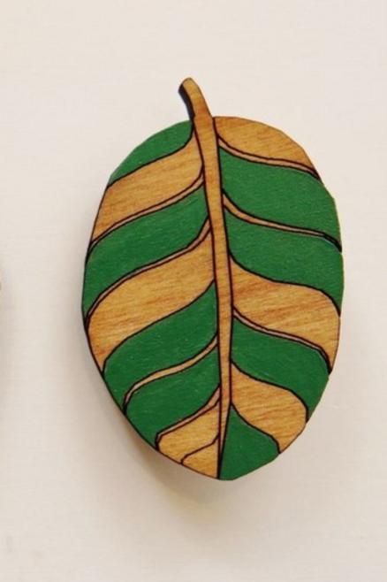 Taupata Leaf Rimu Brooch Green Stripe