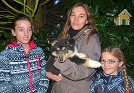Coxie 10 Wochen mit Familie  Flückiger