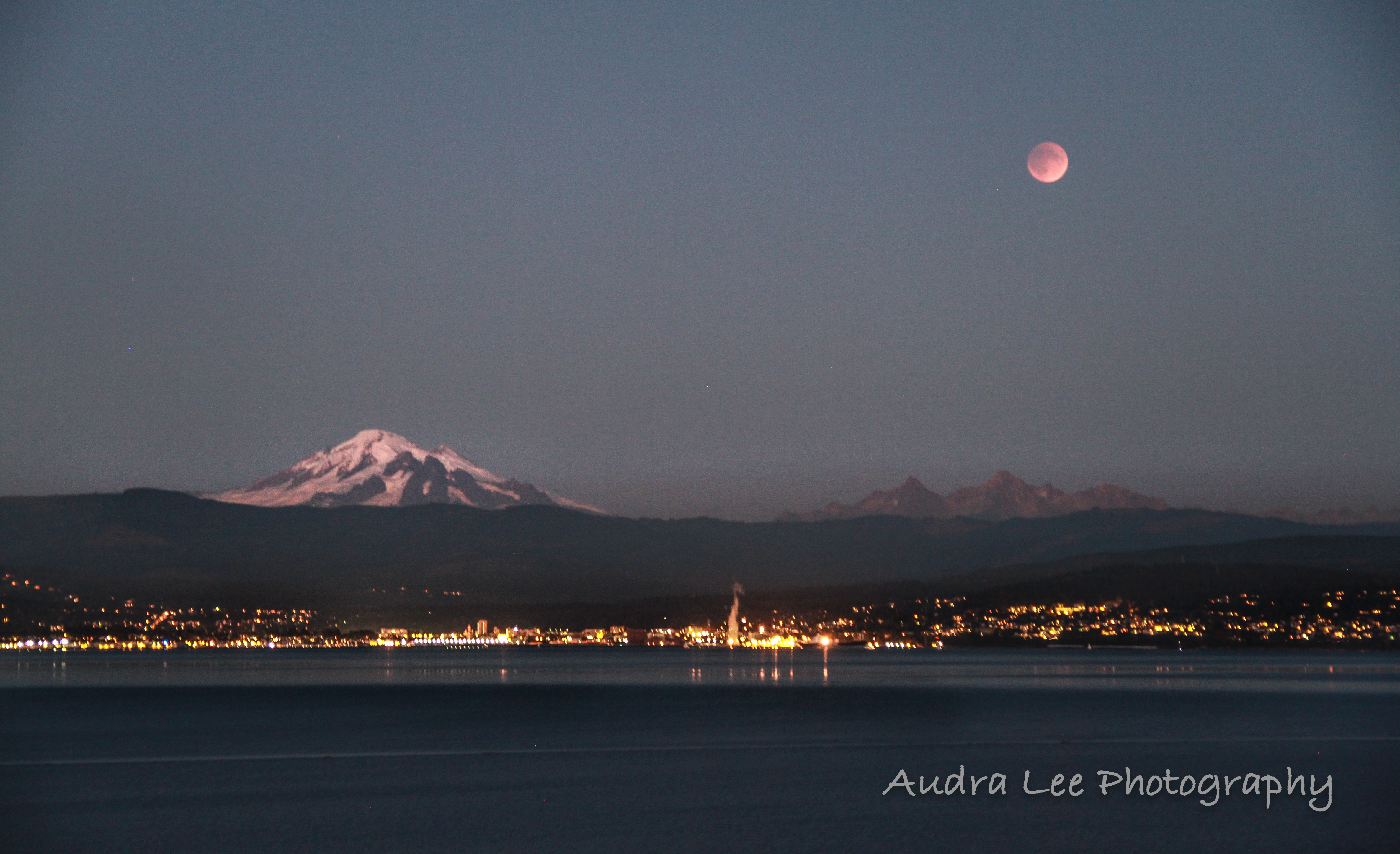 Blood Moon Eclipse over the bay