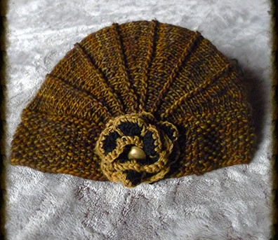 chapeau à fleur bronze