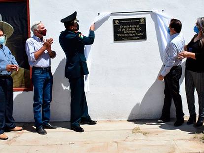 VIDEO: Develan placa en el lugar exacto donde se firmó el Plan de Agua Prieta: Calle 5 Avenida 2