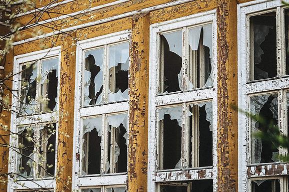 Theory of Broken windows