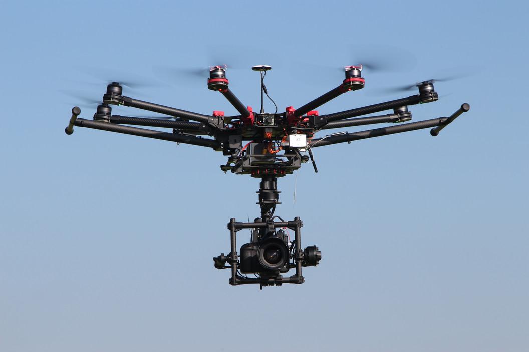 Oktocopter für Drohnenaufnahmen