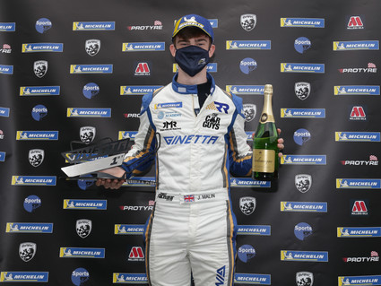 Oulton Park victory for Richardson Racing in Ginetta GT5 opener