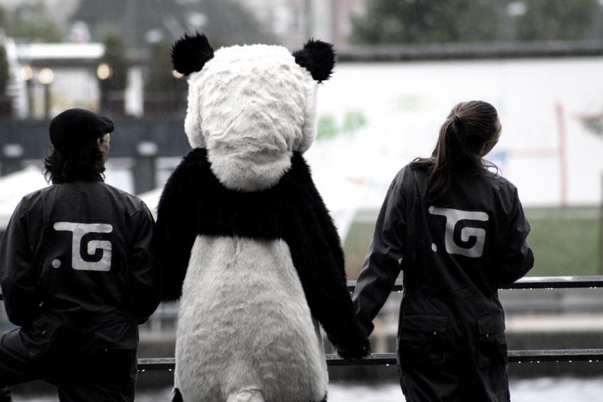 """Musikvideo-Produktion """"Tiefengestein - Rubin"""". Der Panda und die Zoowärter, Toby Wulff Filmproduktion Berlin, 2011"""