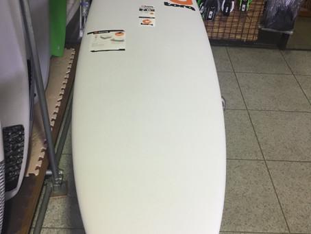 TORQSURF BOARD7.6 定価¥61500+税 これからサーフィンを始めようと思うビギナーには最適なボードです。