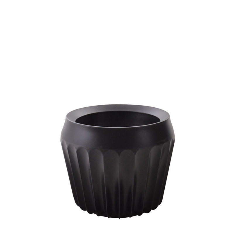 Fin vase (1)