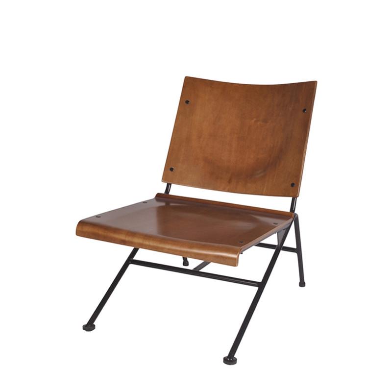 Iota lounge chair (1)