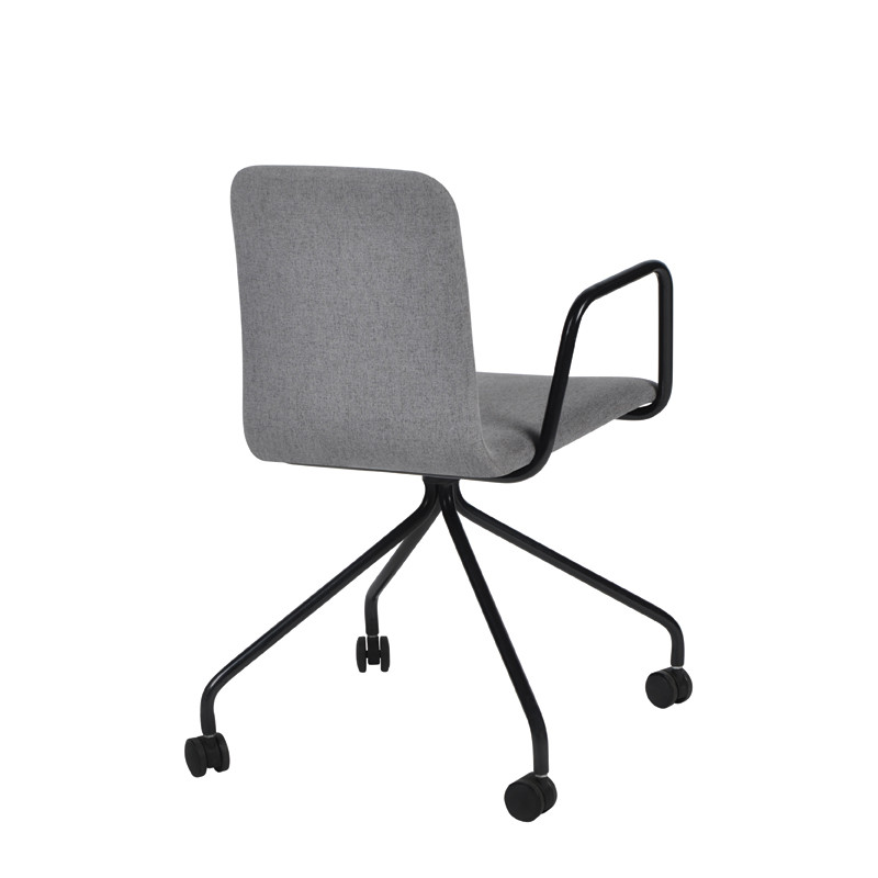Zeat arm chair with wheel (3)
