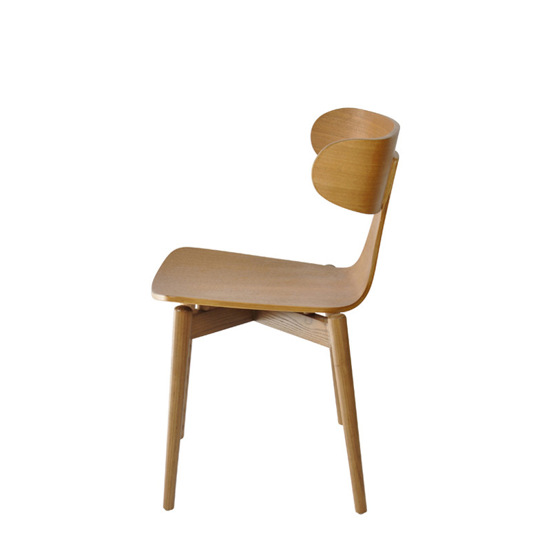 Tattoo chair with wooden leg (3)
