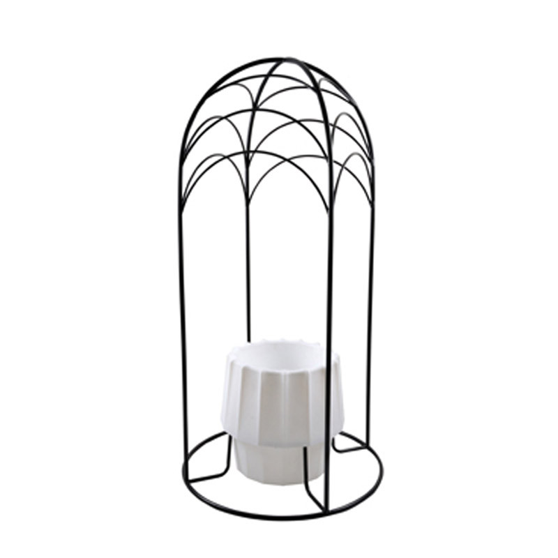 Nest arch with pot (1)