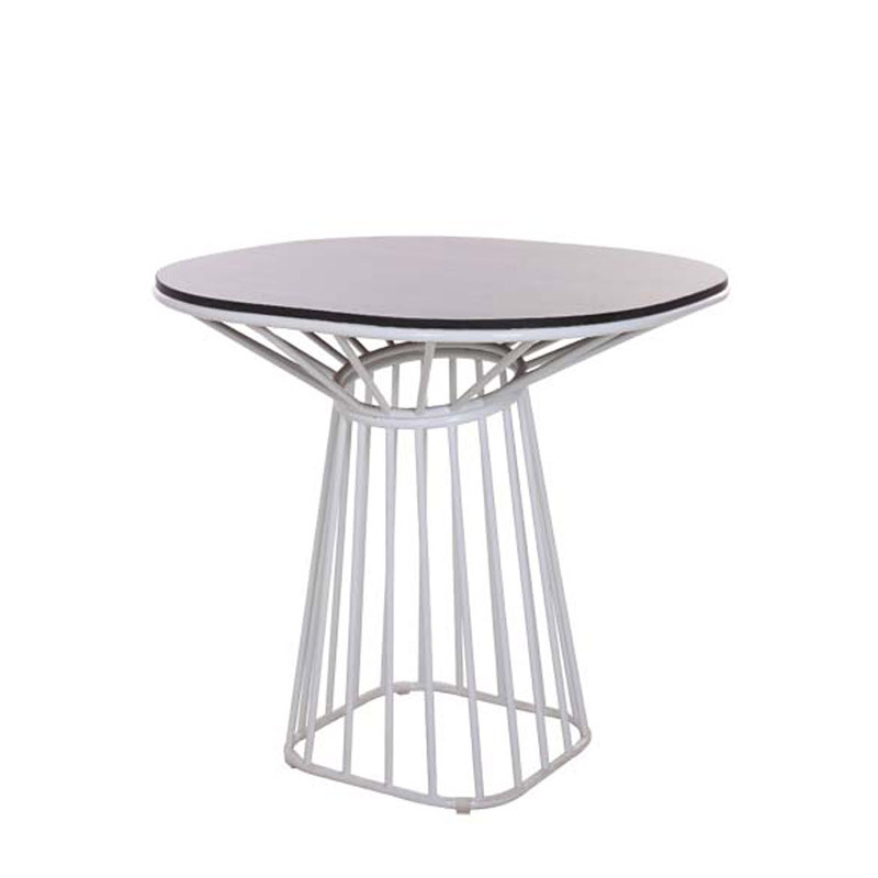 Wins dining table (1)