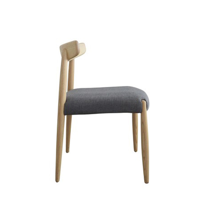 Tribute chair (3)