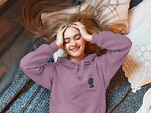 hoodie-mockup-of-a-long-haired-woman-lyi