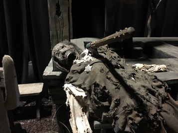 HHN 26 Mummified Body