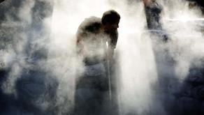 幽幽微微鬱鬱沉沉的游離 -讀李阿明的「沉潛暗處—看到光」