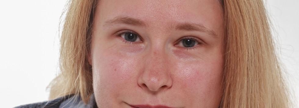 Acting Head Shots - Lisa Hands
