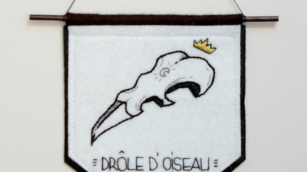 "Broderie Murale ""Drôle d 'Oiseau"""