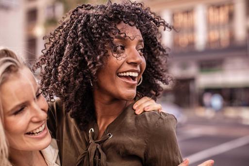 Fotoproduktion Fotograf Mädchen lachen