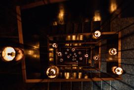 Fotoproduktion Hotel Treppe Lampen Hotelfotografie