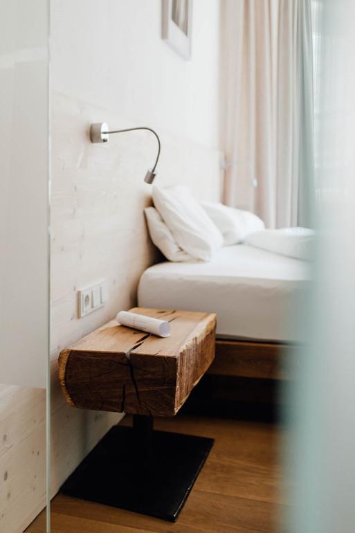 Fotoproduktion Hotelfotografie Interiorfotografie Bett im Zimmer