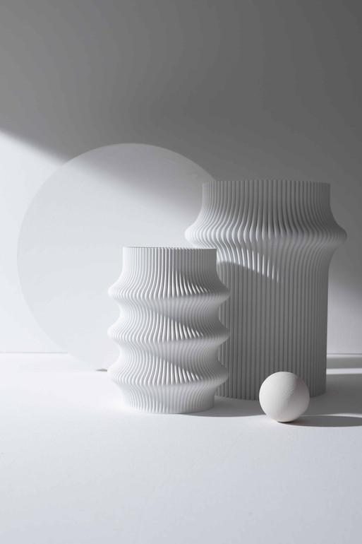 Vasen schwarz weiss Stilllifefotografie